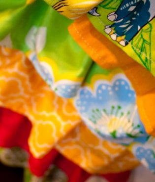 giveaway: diy shortie ruffle apron! thumbnail