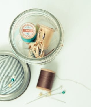 diy mason jar sewing kit thumbnail