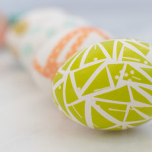 Four No-Dye Ideas to Decorate Easter Eggs with Washi Tape thumbnail