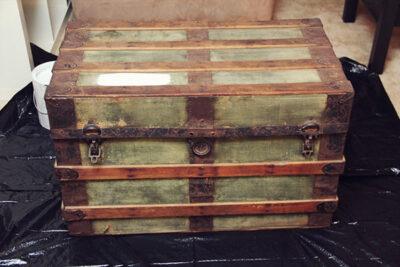 DIY Painted Vintage Trunk
