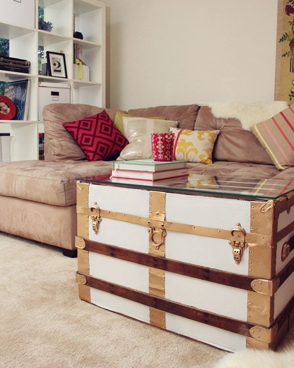 DIY Painted Vintage Trunk
