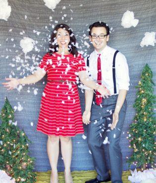 DIY Holiday Photo Backdrop thumbnail