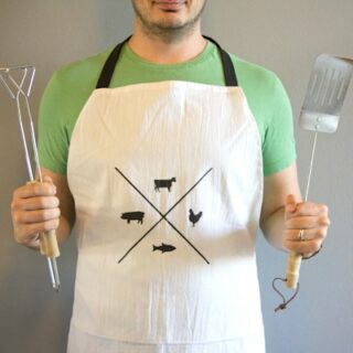 DIY Father's Day Gift // Stenciled Grilling Apron