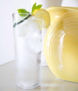 Food // Cucumber Lemon Mint Water thumbnail