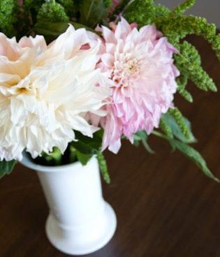 DIY Dahlia and Amaranthus Bouquet thumbnail