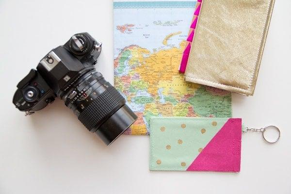 DIY-Polka-Dot-Luggage-Tag