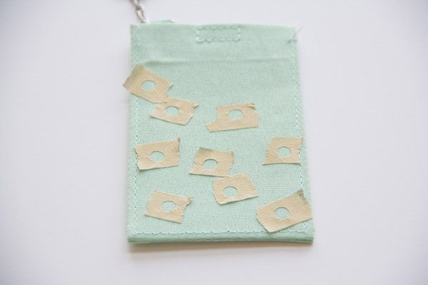 DIY-Polka-Dot-Luggage-Tag2