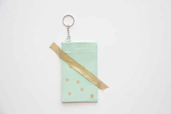 DIY-Polka-Dot-Luggage-Tag5