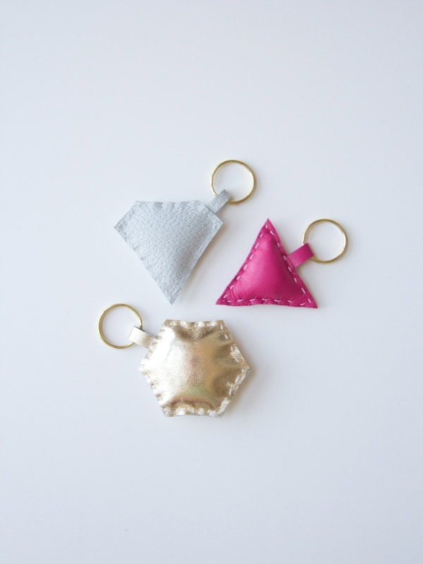 DIY-leather-shape-keychain11