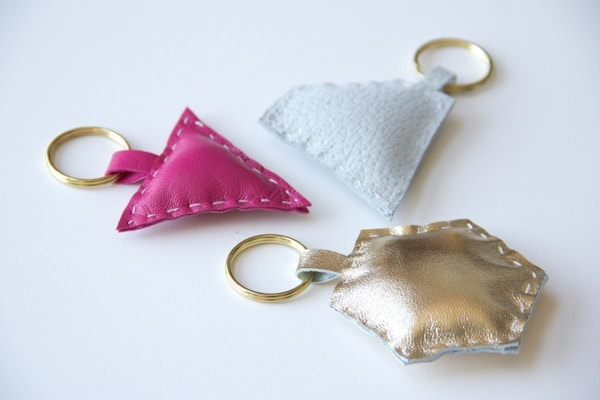DIY-leather-shape-keychain2