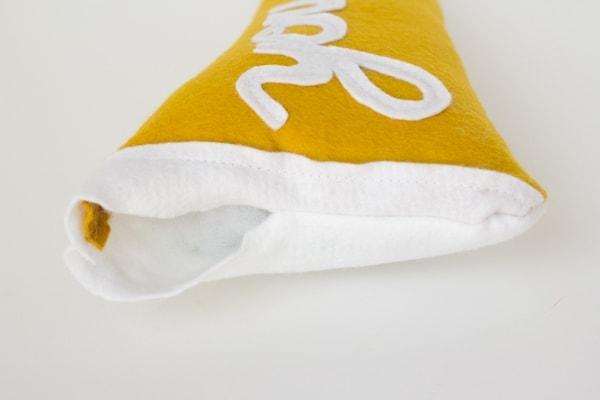 pennant-pillow6