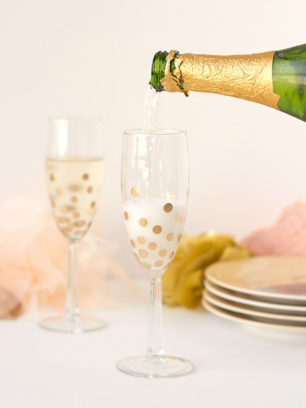 Diy Gold Polka Dot Champagne Glasses Lovely Indeed