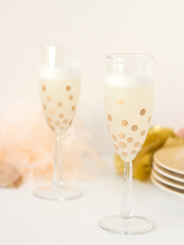 polka-dot-champagne-glasses10
