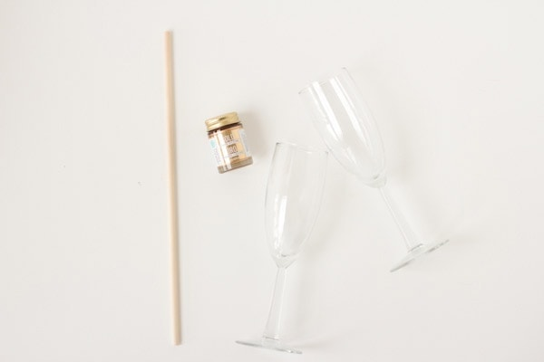 polka-dot-champagne-glasses3