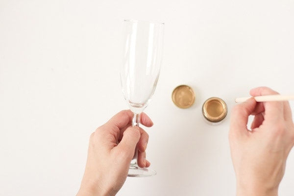 polka-dot-champagne-glasses4