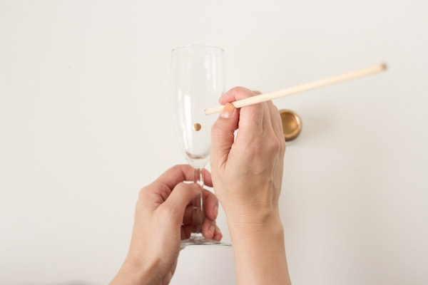 polka-dot-champagne-glasses5