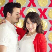 DIY Valentine Photobooth Backdrop