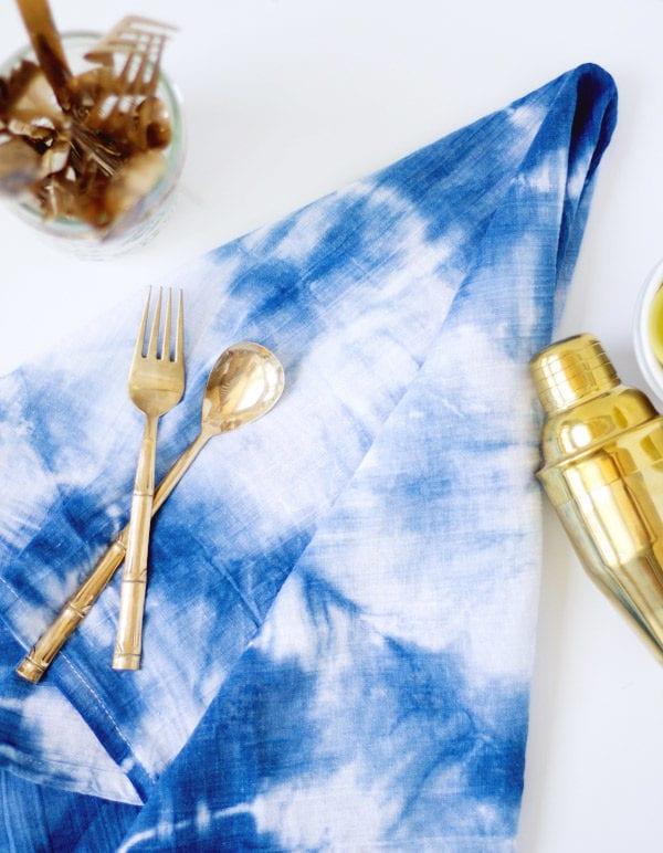 DIY Indigo Shibori Dyed Kitchen Towels thumbnail