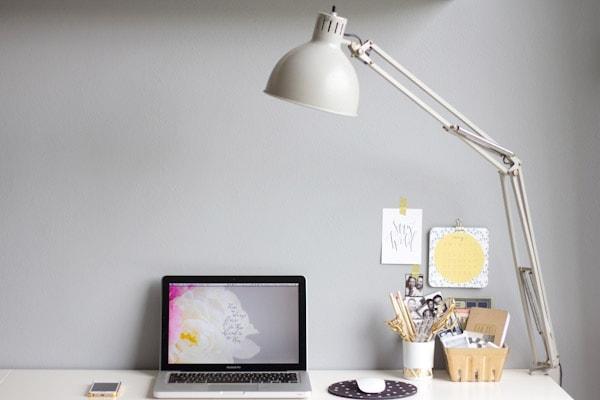 DIY Gold Confetti Wall