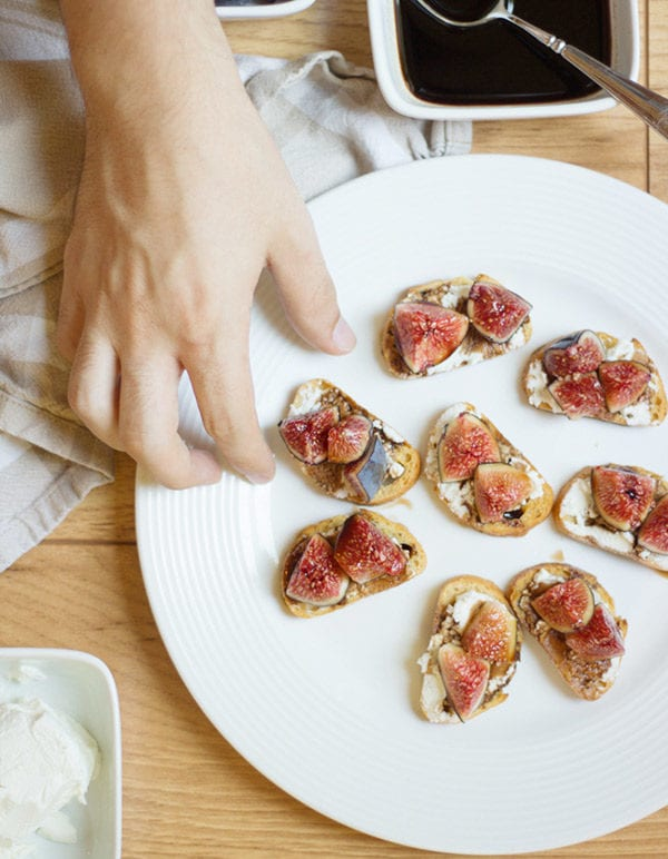 Balsamic Fig & Goat Cheese Crostini thumbnail