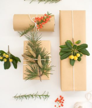 DIY Botanical Wrapping Paper thumbnail
