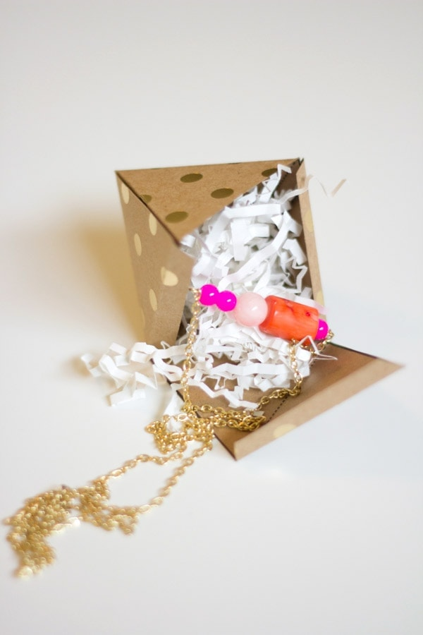 DIY Beaded Pendant Necklace and Geometric Printable Gift Box