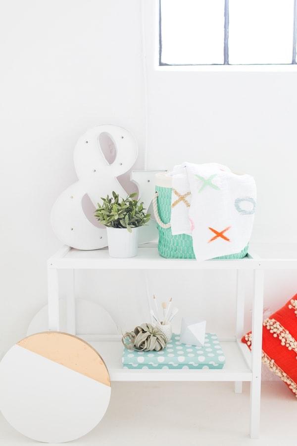 DIY xoxo throw blanket