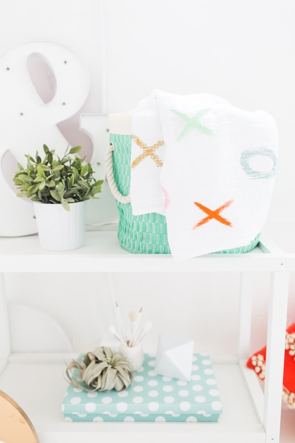 DIY xoxo throw blanket
