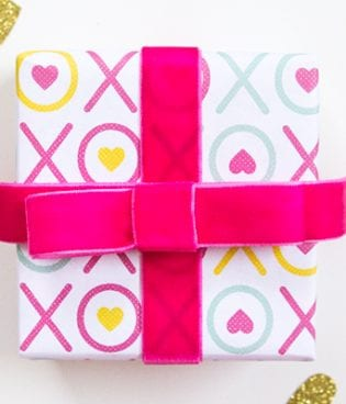 Printable Valentine's Day Gift Wrap thumbnail