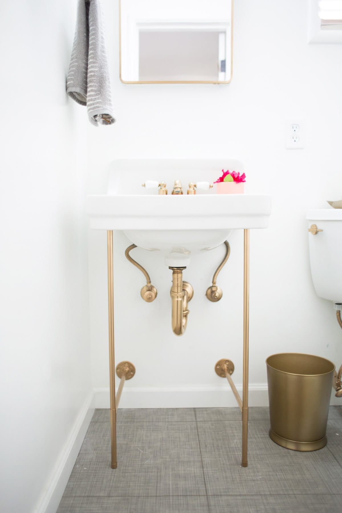 Diy Gold Sink Legs 187 Lovely Indeed