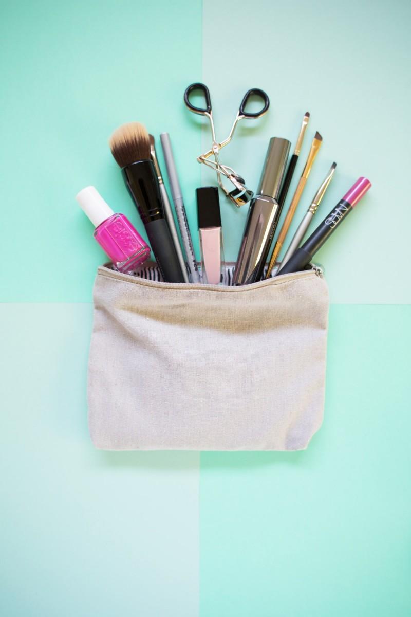 DIY Organized Makeup Bag