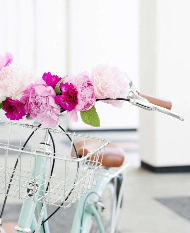 DIY Floral Bicycle Handlebars thumbnail