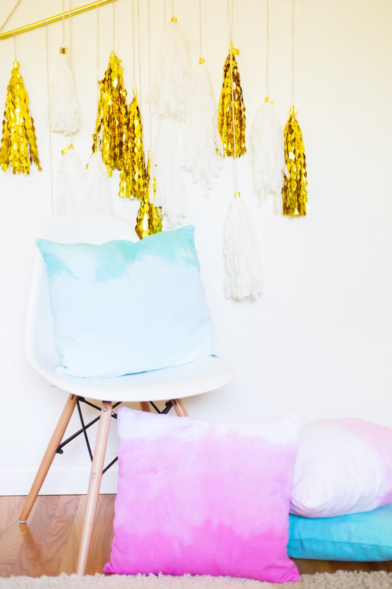 DIY Dip Dye Ombre Throw Pillows