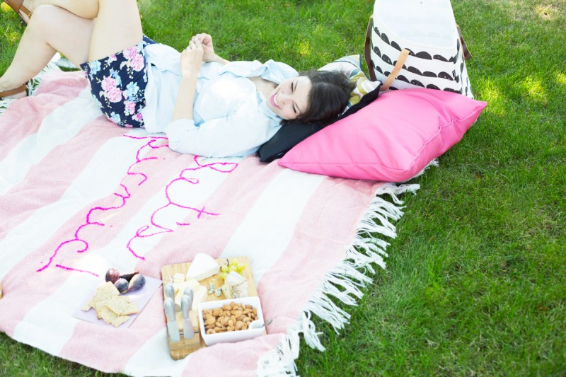 DIY Giant Embroidery Picnic Blanket