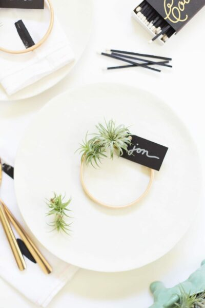 How to Make Mini Air Plant Wreath Place Cards for Thanksgiving
