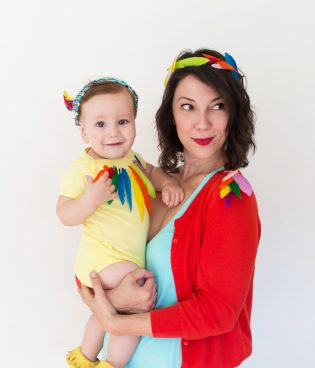 "DIY ""Birds of a Feather"" Mom + Baby Halloween Costume"