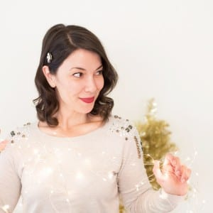 Easy Five Minute Holiday Hairstyle thumbnail