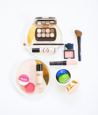 A Two-Minute Makeup Routine thumbnail