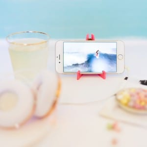 DIY Acrylic Travel Phone Stand thumbnail