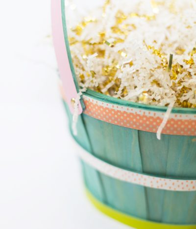How to Make Personalized Gift Baskets for Easter thumbnail