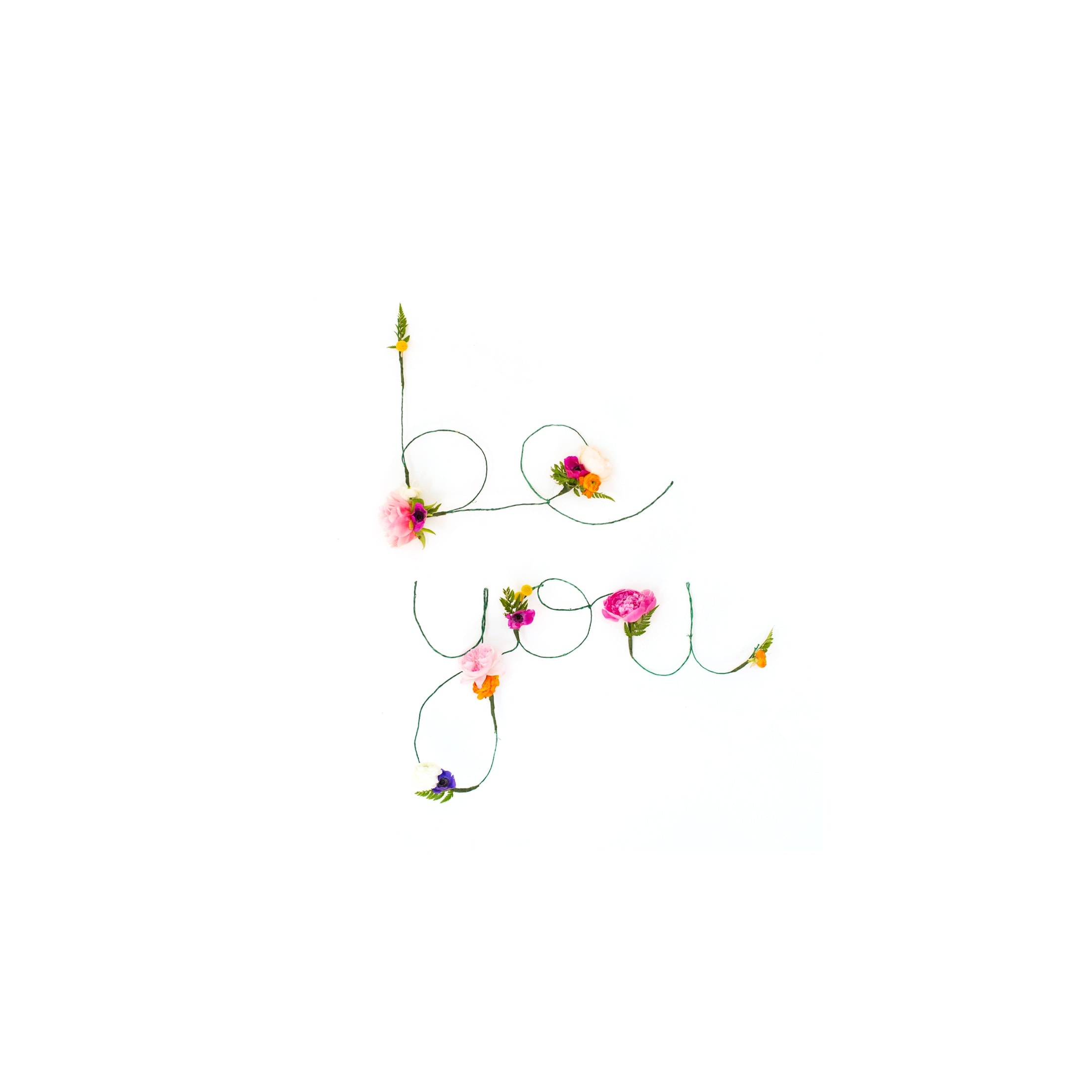 DIY Floral and Wire Words + Free Download » Lovely Indeed