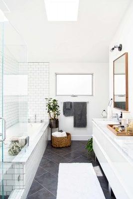 Modern black and white bathroom