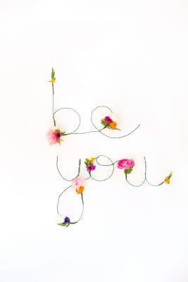 How to make floral and wire words to hang on the wall