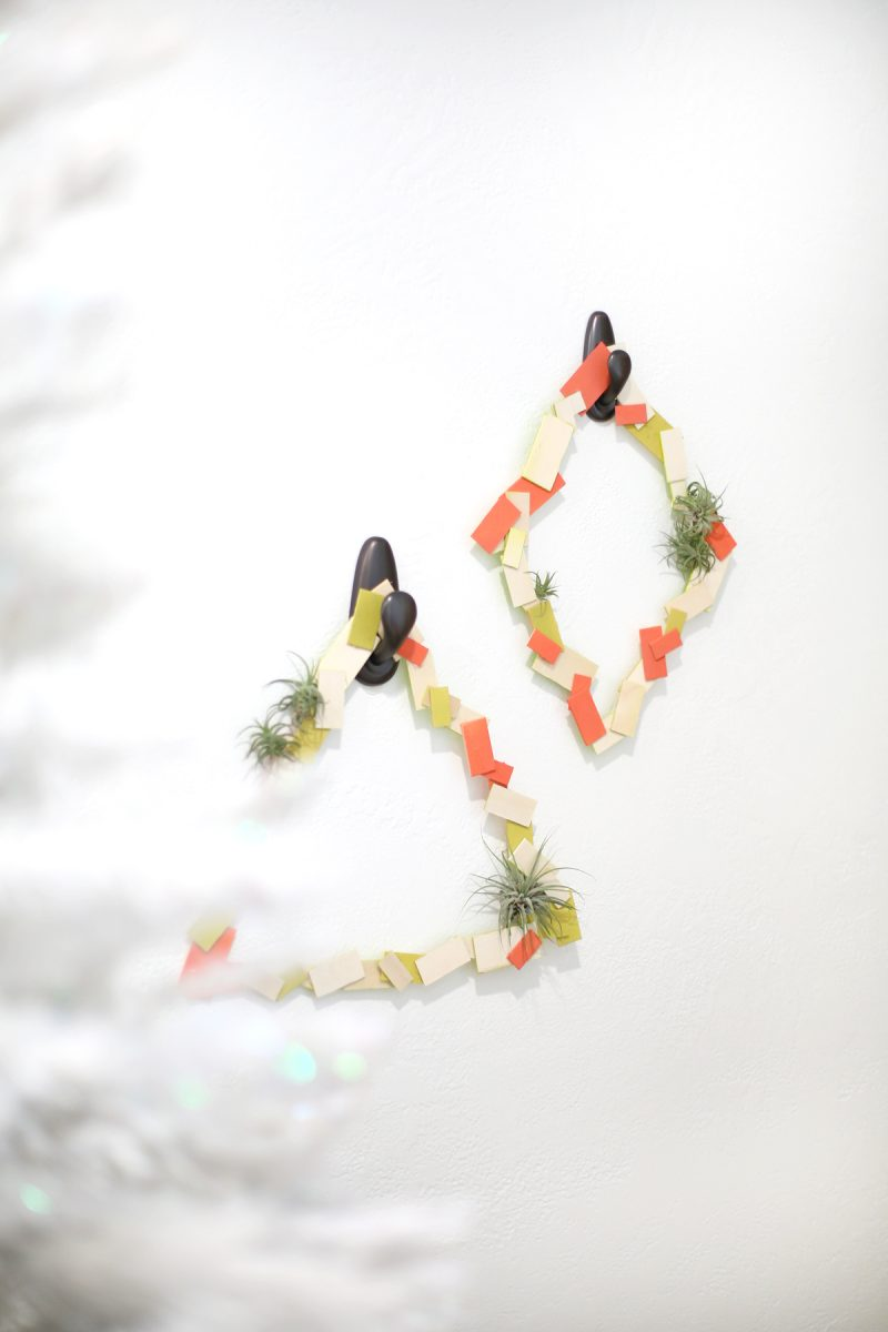 diy-geometric-holiday-air-plant-wreaths-6