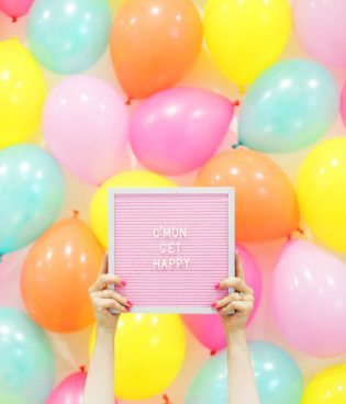 DIY Balloon Photo Backdrop thumbnail