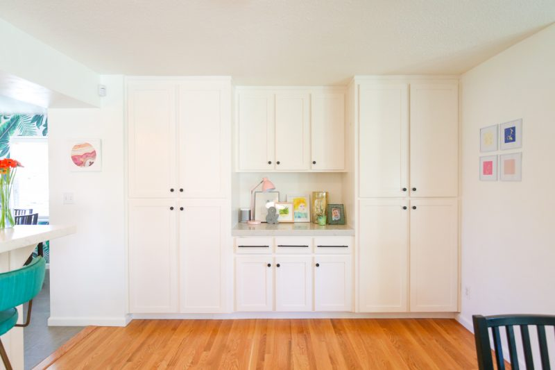 Buffet with shelving