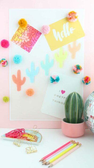 DIY Fluffy Yarn Pom Pom Magnets-10