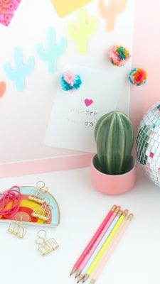 DIY Fluffy Yarn Pom Pom Magnets