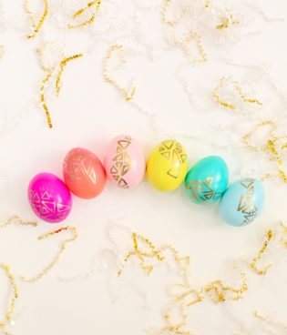 DIY Gold Geometric Easter Eggs thumbnail