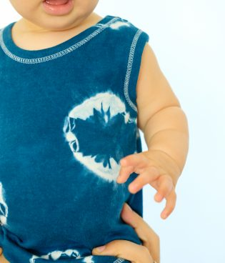 DIY Shibori Dyed Kids Clothes thumbnail